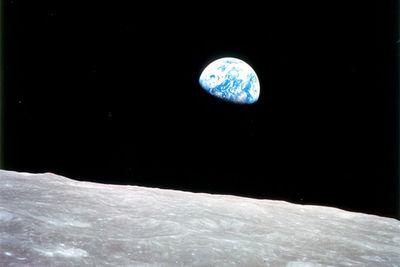 Nasa_earthrise_1968_630px